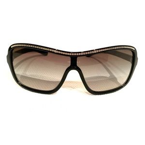 Chanel Gradient Tent Sunglasses in Black